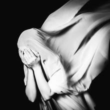 Rova Fineart - Simone Betz, Why? (Germany, Europe)