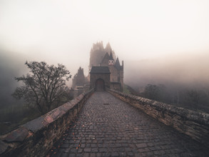 Daniel Weissenhorn, Foggy morning at the castle Eltz (Germany, Europe)