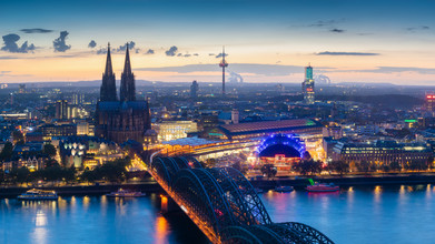 Martin Wasilewski, Blue Hour in Cologne (Germany, Europe)