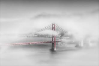 Melanie Viola, Golden Gate Bridge im Nebel | colorkey (Vereinigte Staaten, Nordamerika)