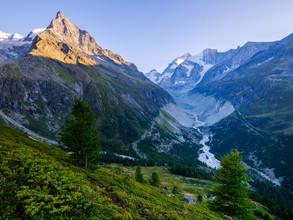 Peter Wey, Zinal at sunset (Switzerland, Europe)