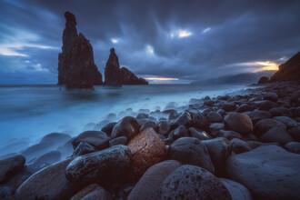 Jean Claude Castor, Madeira Ilheus da Janela Küste zum Sonnenaufgang (Portugal, Europa)