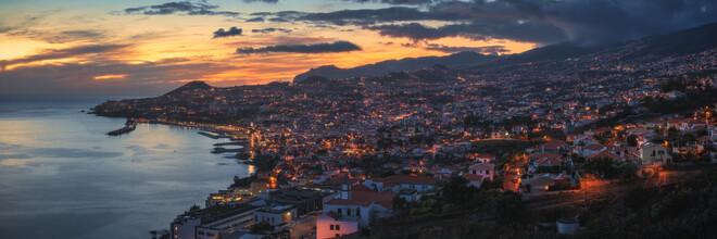 Jean Claude Castor, Madeira Funchal Panorama zum Sonnenuntergang (Portugal, Europa)