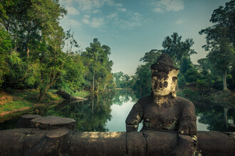 Li Ye, Early morning at Angkor Wat (Cambodia, Asia)