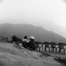 Shantala Fels, Flitterwochen in den Teeplantagen Munnars (Indien, Asien)