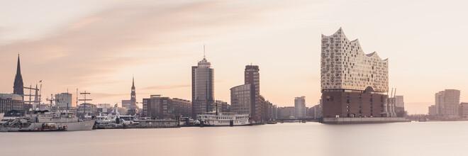 Dennis Wehrmann, Hamburger Skyline - Elbphilharmonie (Deutschland, Europa)