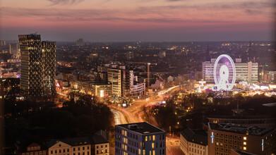 Dennis Wehrmann, Hamburg St Pauli at night - panorama (Germany, Europe)