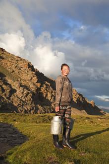 Monika Nutz, Nomaden-Leben, Wasser holen (Mongolia, Asia)