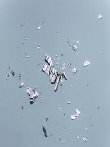 Glacial Icebergs - fotokunst von Frida Berg