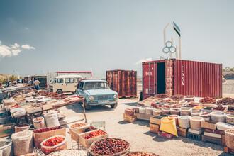 Eva Stadler, Usbekistan: Markt an der Passstraße (Usbekistan, Asien)
