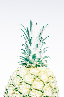 Victoria Frost, Pineapple (, )