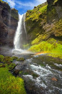 Dave Derbis, Regenbogen am Kvernufoss (Island, Europa)