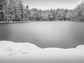 Bernd Grosseck, zugefrorener See (Österreich, Europa)
