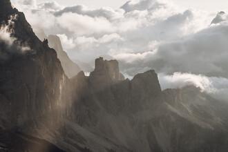 Lina Jakobi, Dynamischer Morgen in den Bergen (Italien, Europa)