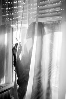 Liva Voigt, Rauchen am Fenster (Deutschland, Europa)