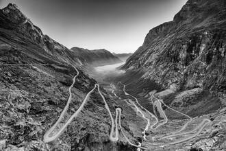 Trollstigen - fotokunst von Mikolaj Gospodarek