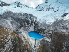 Tobias Winkelmann, Blauer See in den Bergen Perus (Peru, Lateinamerika und die Karibik)