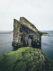 Christoph Schlein, Felsentor Drangarnir auf den Färöer Inseln (Färöer Inseln, Europa)