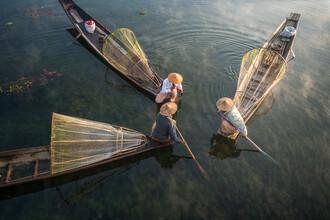 Jan Becke, Intha fishermen on the Inle Lake in Myanmar (Myanmar, Asia)