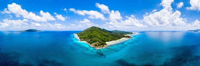 Jan Becke, Luftaufnahme der Insel La Digue auf den Seychellen (Seychellen, Afrika)