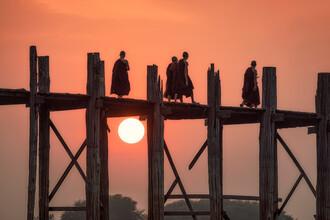 Jan Becke, Sunset at the U Bein Bridge in Myanmar (Myanmar, Asia)