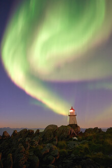 Lars Almeroth, Polar lights with Lighthouse (Norwegen, Europa)