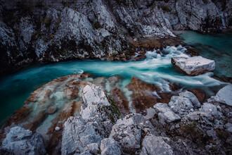 Eva Stadler, Let's away ... Blick auf das wilde Wasser der Soča (Slowenien, Europa)