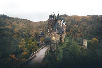 Christoph Schlein, Herbstliche Burg Eltz (Deutschland, Europa)