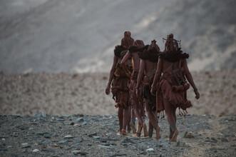 Nicole Cambré, Himba women (Namibia, Afrika)