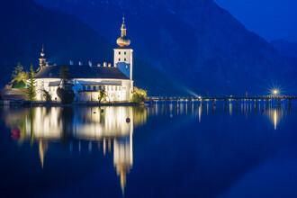 Martin Wasilewski, Blue Hour in Gmunden (Austria, Europe)