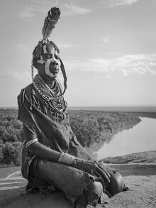 Karo Woman on the Omo River - fotokunst von Phyllis Bauer