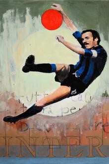 David Diehl, One Love Inter - Aus der Serie 'One Love', die ikonische Fußballclubs portraitiert, gemalt vom schweizerischen Künstler David Diehl. (Italy, Europe)
