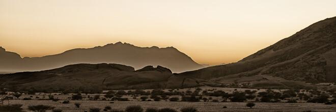 Dennis Wehrmann, Magischer Sonnenaufgang über Spitzkoppe Namibia (Namibia, Afrika)