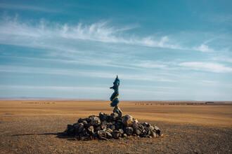 Claas Liegmann, Landmarke in der Wüste Gobi (Mongolei, Asien)