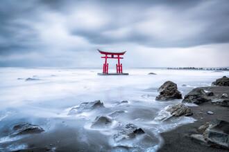 Jan Becke, Japanisches Torii im Winter (Japan, Asien)