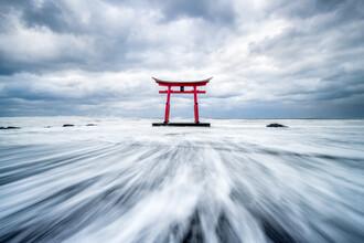 Jan Becke, Red Torii near Shosanbetsu (Japan, Asia)