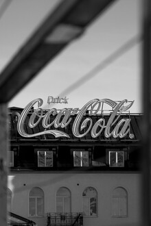 Drick Coca Cola - fotokunst von Marius Kayser
