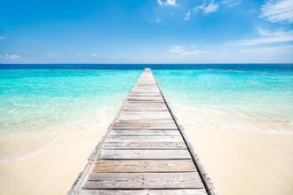 Jan Becke, Pier by the sea (Maldives, Asia)