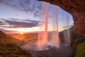 Dave Derbis, Sonnenuntergang am Seljalandfoss (Island, Europa)