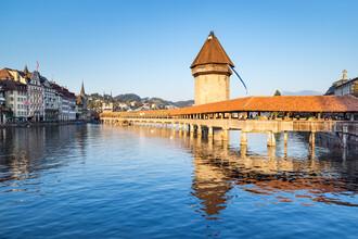 Jan Becke, Historische Kapellbrücke in Luzern (Schweiz, Europa)