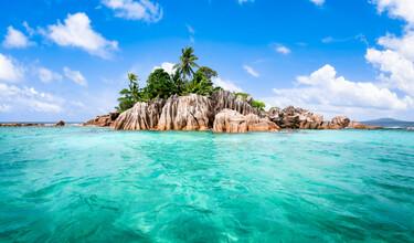 Jan Becke, The island of St Pierre in the Seychelles (Seychelles, Africa)