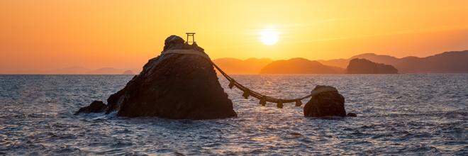 Jan Becke, Meoto Iwa rocks at sunrise (Japan, Asia)