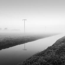 Thomas Wegner, Strommasten im Nebel (Deutschland, Europa)