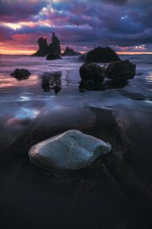 Jean Claude Castor, Teneriffa Strand Playa Benijo bei Sonnenuntergang (Spanien, Europa)