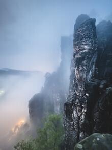 Ronny Behnert, Basteiaussicht bei Nacht im Elbsandsteingebirge (Deutschland, Europa)