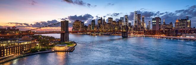 Jan Becke, Brooklyn Bridge at sunset (United States, North America)