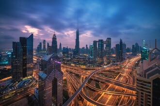 Jean Claude Castor, Dubai Skyline in den Wolken (Vereinigte Arabische Emirate, Asien)