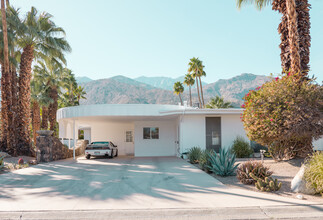 Palm Springs The White House - Fineart photography by Roman Becker