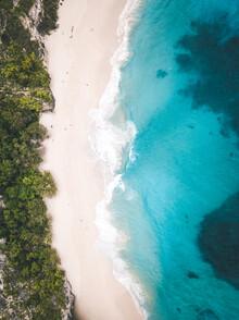 Leander Nardin, tropical beach side (Indonesia, Asia)