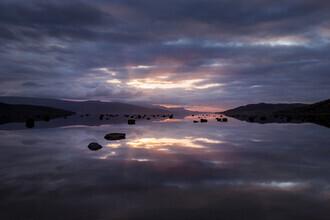 Felix Baab, Schwebende Steine im reflektierendem Fjord (Norwegen, Europa)